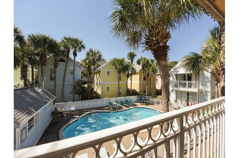 The pool is just steps from your cottage at Nantucket Rainbow Cottages in Destin Florida
