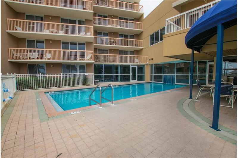 Pelican Beach Resort in Destin FL has a heated outdoor pool
