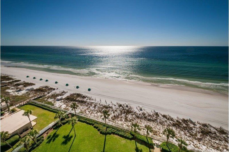 Wonderful view of the coastline from Silver Beach Towers in Destin FL