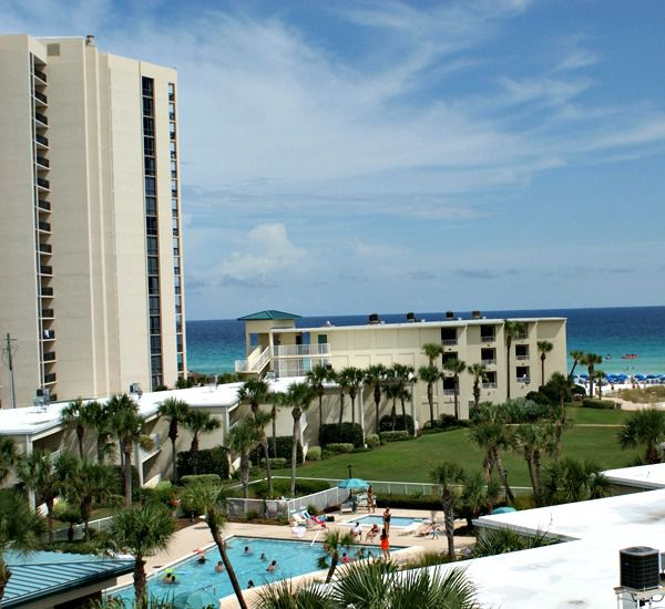 Silver Dunes Condominiums - https://www.beachguide.com/destin-vacation-rentals-silver-dunes-condominiums-8368370.jpg?width=185&height=185