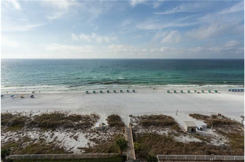 wonderful direct view of the beach at Sterling Sands in Destin FL