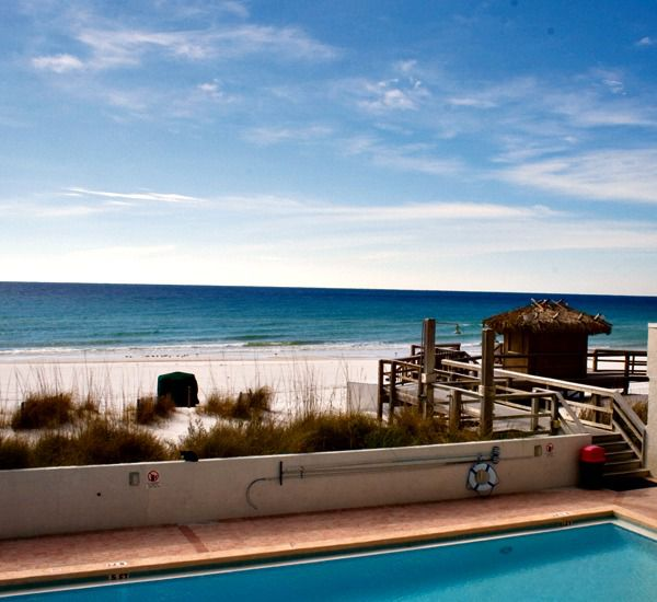 Community pool at SunDestin Beach Resort & Hotel in Destin Florida