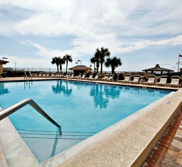 Gulf-front swimming pool at The Islander Destin