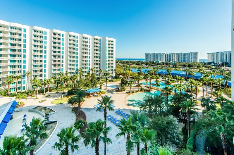 The Palms of Destin - https://www.beachguide.com/destin-vacation-rentals-the-palms-of-destin-9225430.jpg?width=185&height=185