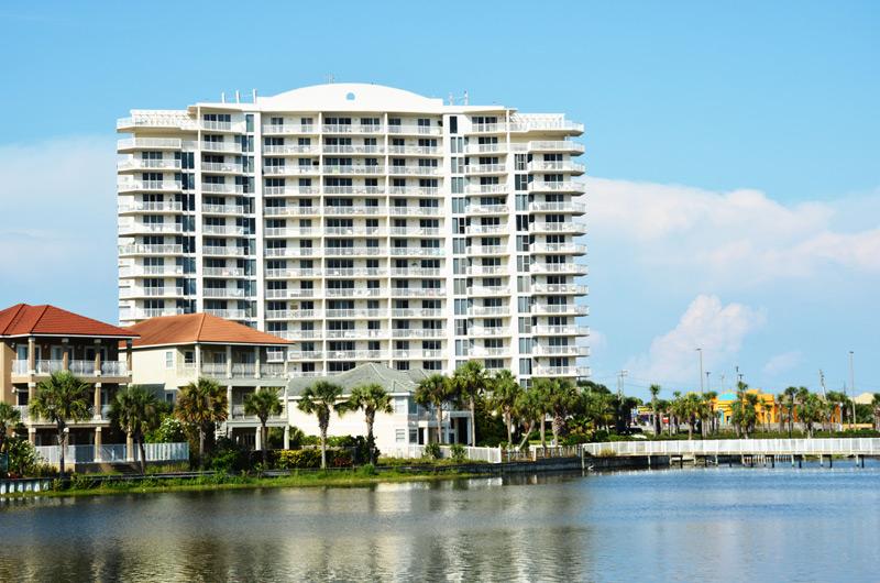 The Terrace at Pelican Beach - https://www.beachguide.com/destin-vacation-rentals-the-terrace-at-pelican-beach-8723402.jpg?width=185&height=185