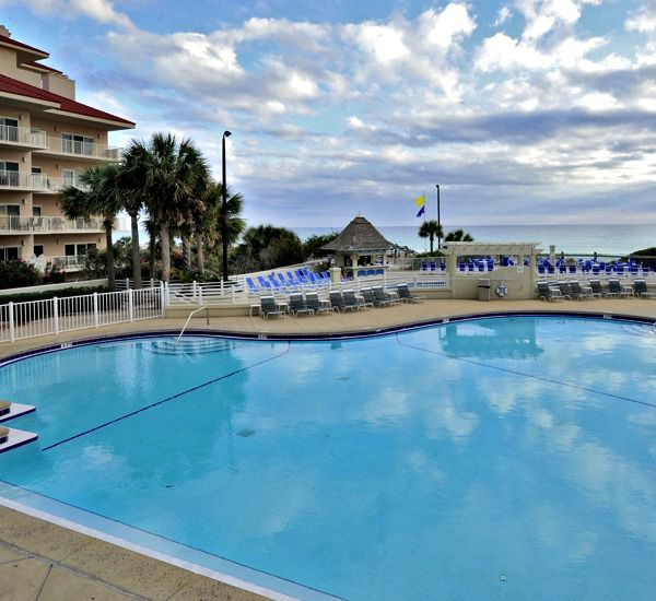 Children's pool and outdoor at TOPS'L Tides   in Destin Florida