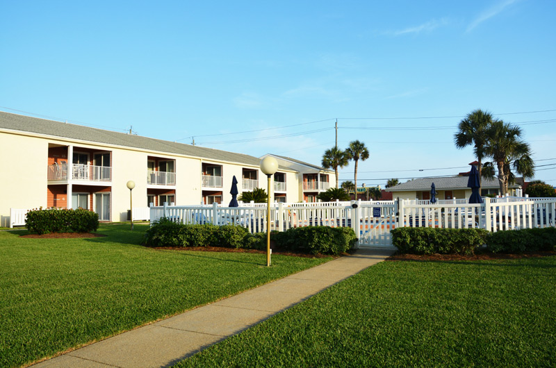 Tradewinds Condos Miramar Beach - https://www.beachguide.com/destin-vacation-rentals-tradewinds-condos-miramar-beach-8723372.jpg?width=185&height=185
