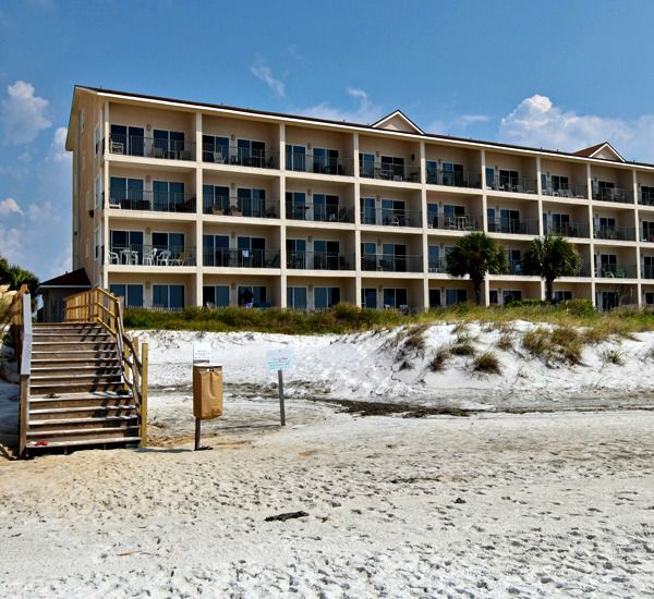 Windancer Condominiums is located right on the Gulf in Destin Florida