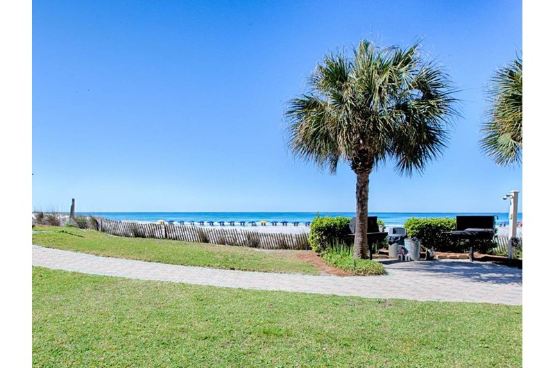Lovely grounds and beach views at Windancer in Destin Florida