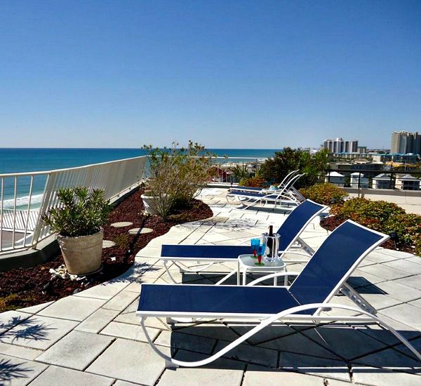 Patio deck at Edgewater Beach Condominium in Destin Florida