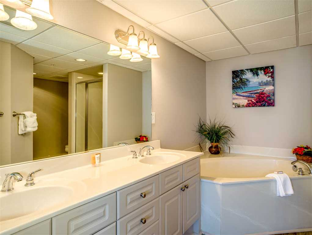Emerald Beach Resort 1131 Condo rental in Emerald Beach Resort in Panama City Beach Florida - #15