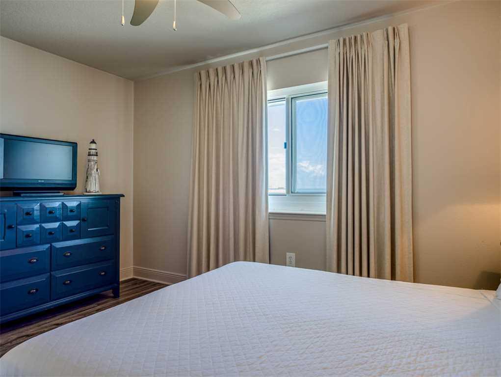 Emerald Beach Resort 1131 Condo rental in Emerald Beach Resort in Panama City Beach Florida - #18