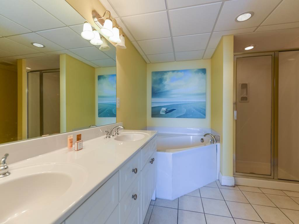 Emerald Beach Resort 2131 Condo rental in Emerald Beach Resort in Panama City Beach Florida - #9