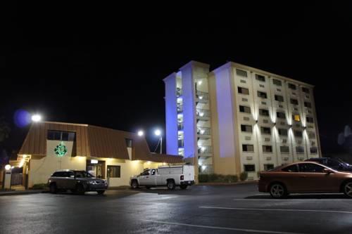 Emerald Coast Inn & Suites in Fort Walton Beach FL 73