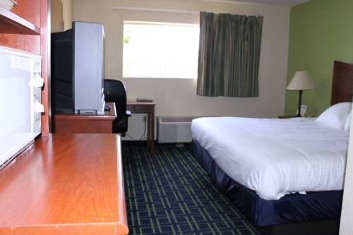 Emerald Coast Inn & Suites in Fort Walton Beach FL 88