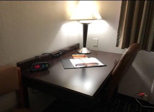 Emerald Coast Inn And Suites in Fort Walton Beach FL 35