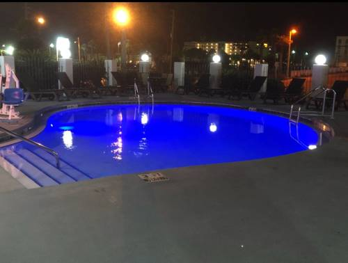 Emerald Coast Inn And Suites in Fort Walton Beach FL 39