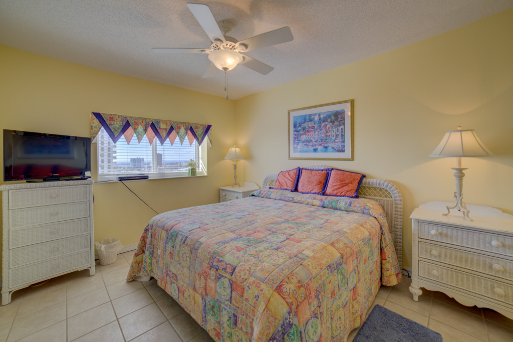 Emerald Isle #1008 Condo rental in Emerald Isle Pensacola Beach in Pensacola Beach Florida - #22