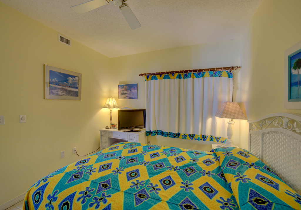 Emerald Isle #1008 Condo rental in Emerald Isle Pensacola Beach in Pensacola Beach Florida - #25