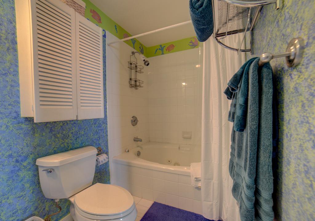 Emerald Isle #1008 Condo rental in Emerald Isle Pensacola Beach in Pensacola Beach Florida - #27