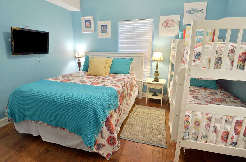 Emerald Isle 506 2 Bedrooms Beachfront Wi-Fi Pool Sleeps 8 Condo rental in Emerald Isle in Panama City Beach Florida - #19
