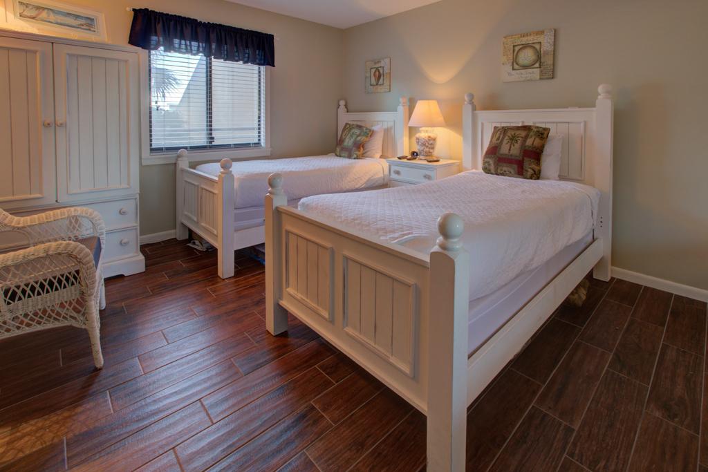 Emerald Towers 0202 Condo rental in Emerald Towers in Destin Florida - #9
