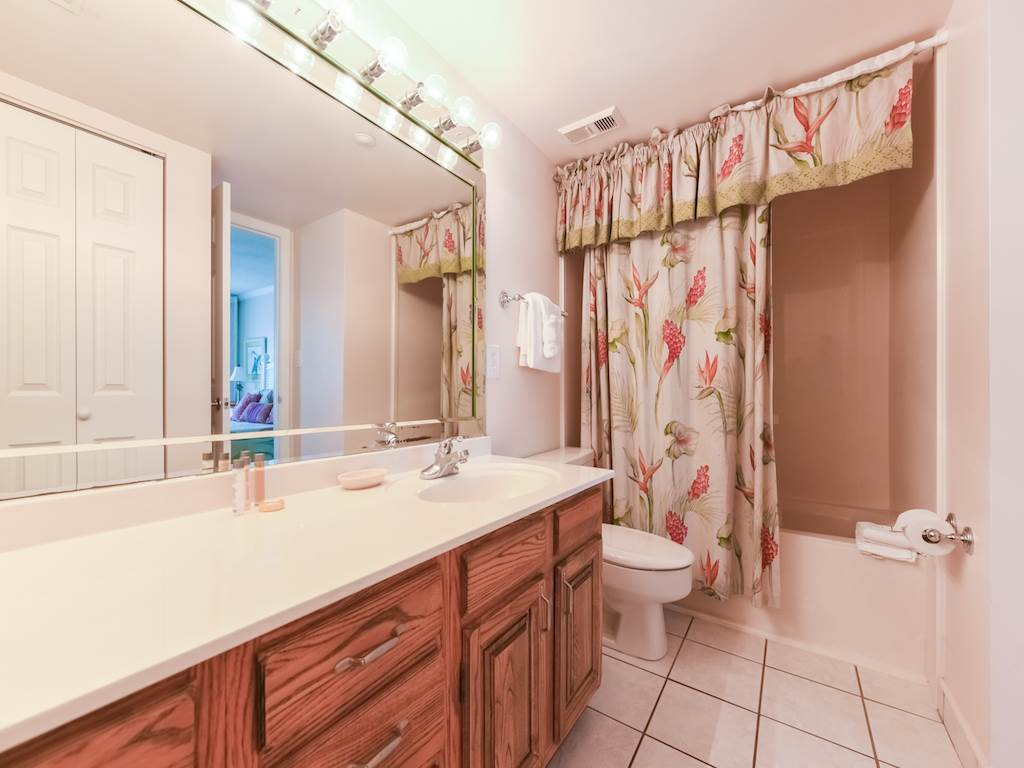 Emerald Towers 0204 Condo rental in Emerald Towers in Destin Florida - #7