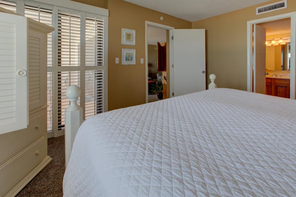 Emerald Towers 0302 Condo rental in Emerald Towers in Destin Florida - #7