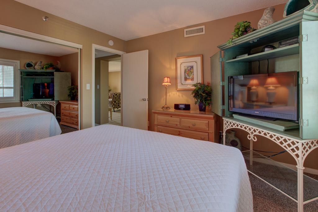 Emerald Towers 0302 Condo rental in Emerald Towers in Destin Florida - #10