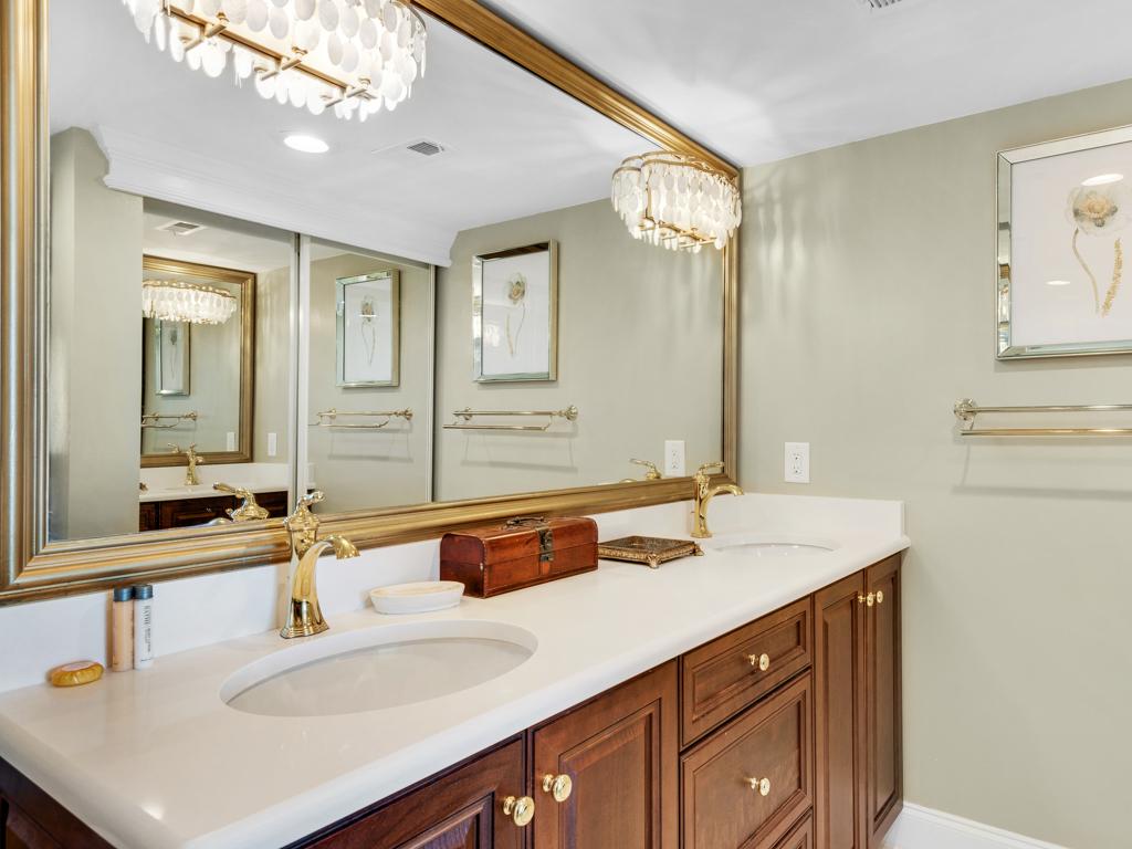 Emerald Towers 0405 Condo rental in Emerald Towers in Destin Florida - #23