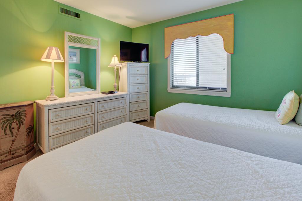Emerald Towers 0704 Condo rental in Emerald Towers in Destin Florida - #10
