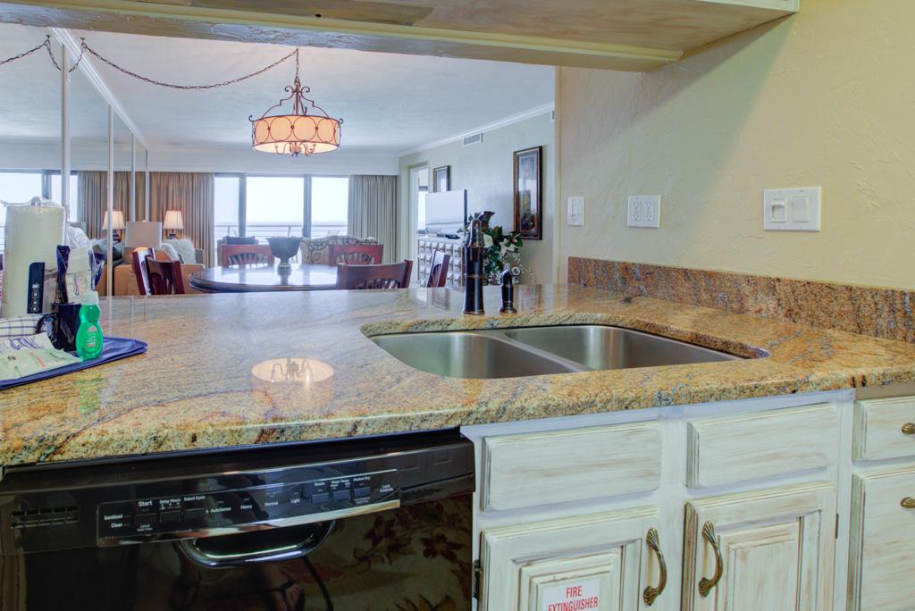 Emerald Towers 1003 Condo rental in Emerald Towers in Destin Florida - #13