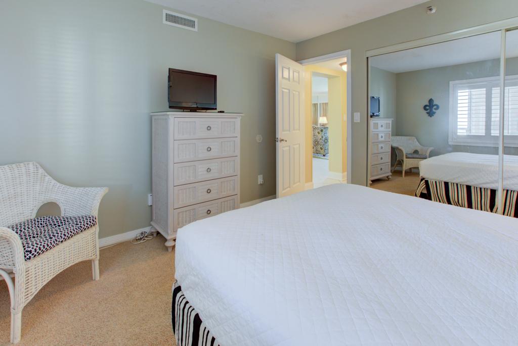 Emerald Towers 1003 Condo rental in Emerald Towers in Destin Florida - #19