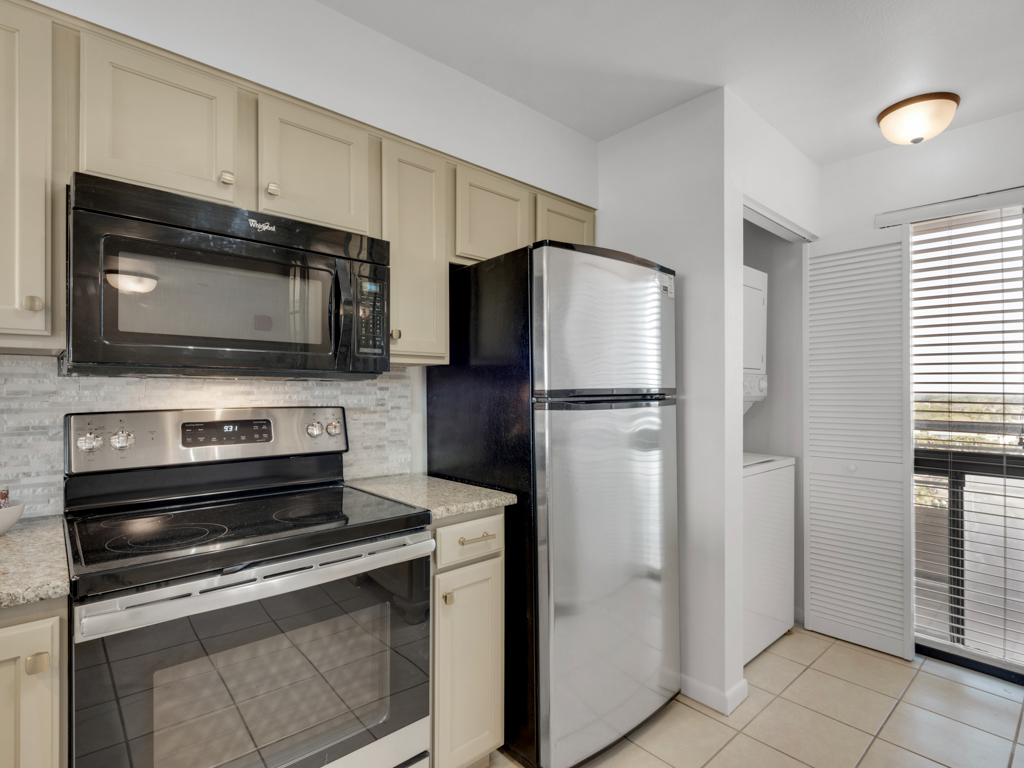 Emerald Towers 1102 Condo rental in Emerald Towers in Destin Florida - #16