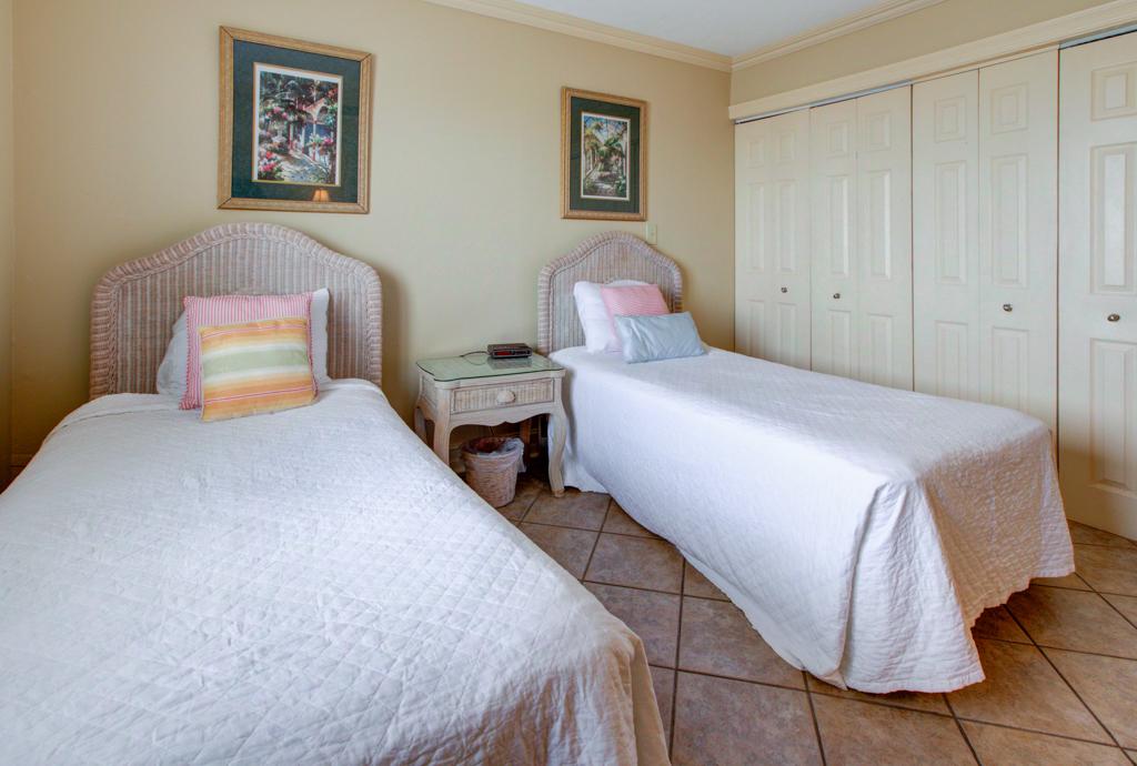 Emerald Towers 1202 Condo rental in Emerald Towers in Destin Florida - #13