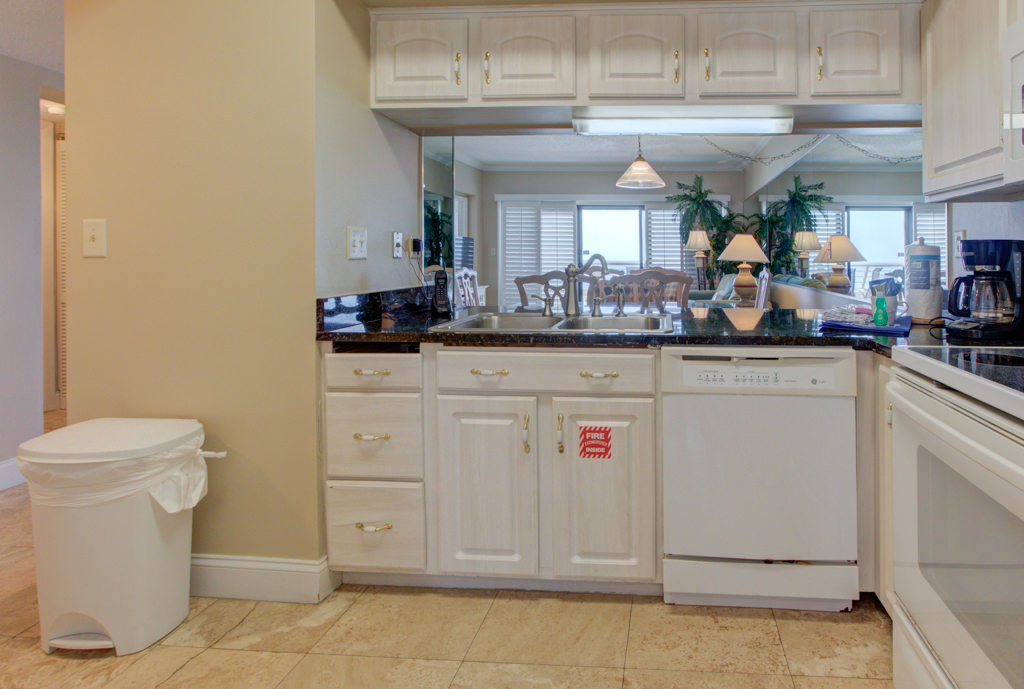 Emerald Towers 1304 Condo rental in Emerald Towers in Destin Florida - #13
