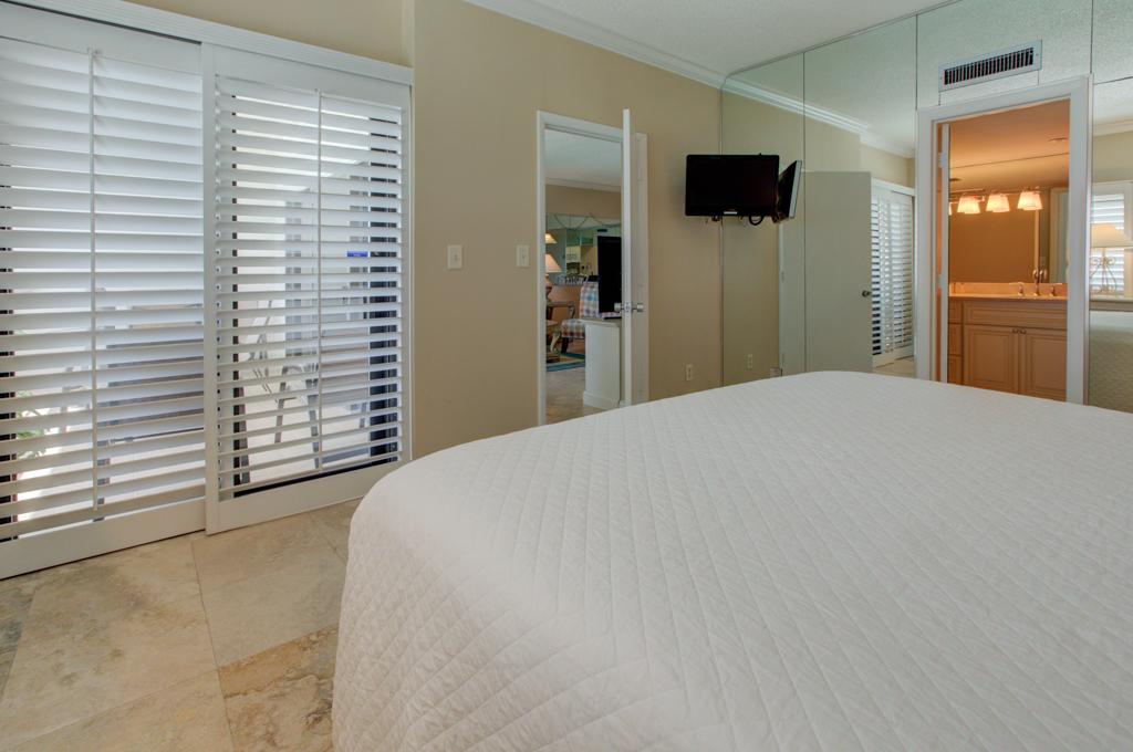Emerald Towers 1304 Condo rental in Emerald Towers in Destin Florida - #18