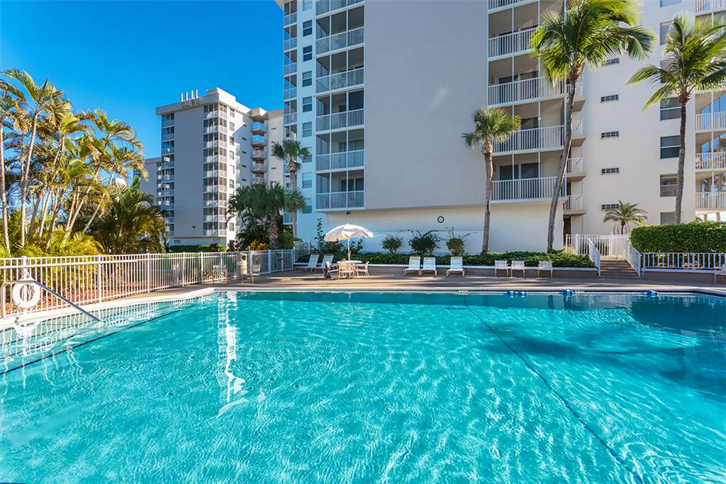 Estero Beach & Tennis 1201A 1 Bedroom Elevator Heated Pool Sleeps 4 Condo rental in Estero Beach and Tennis Club in Fort Myers Beach Florida - #3