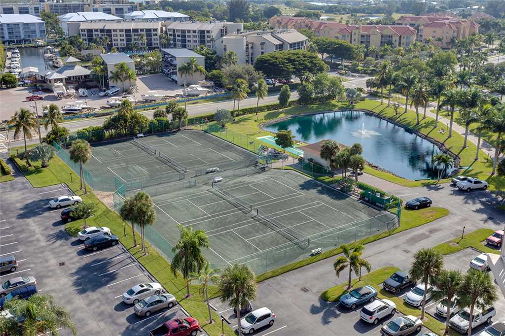 Estero Beach & Tennis 1201A 1 Bedroom Elevator Heated Pool Sleeps 4 Condo rental in Estero Beach and Tennis Club in Fort Myers Beach Florida - #17