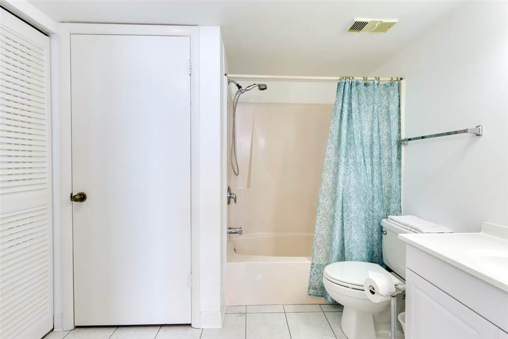Estero Beach & Tennis 1204A 1 Bedroom Elevator Heated Pool Sleeps 4 Condo rental in Estero Beach and Tennis Club in Fort Myers Beach Florida - #11