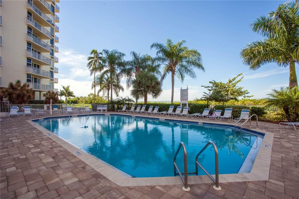 Estero Beach & Tennis 1204A 1 Bedroom Elevator Heated Pool Sleeps 4 Condo rental in Estero Beach and Tennis Club in Fort Myers Beach Florida - #15