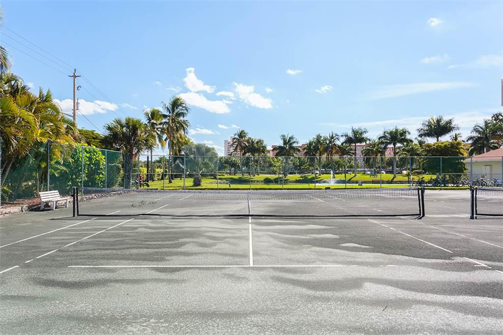 Estero Beach & Tennis 1204A 1 Bedroom Elevator Heated Pool Sleeps 4 Condo rental in Estero Beach and Tennis Club in Fort Myers Beach Florida - #30