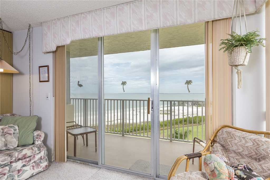 Estero Beach & Tennis 507C 1 Bedroom th Floor Elevator Heated Pool Sle