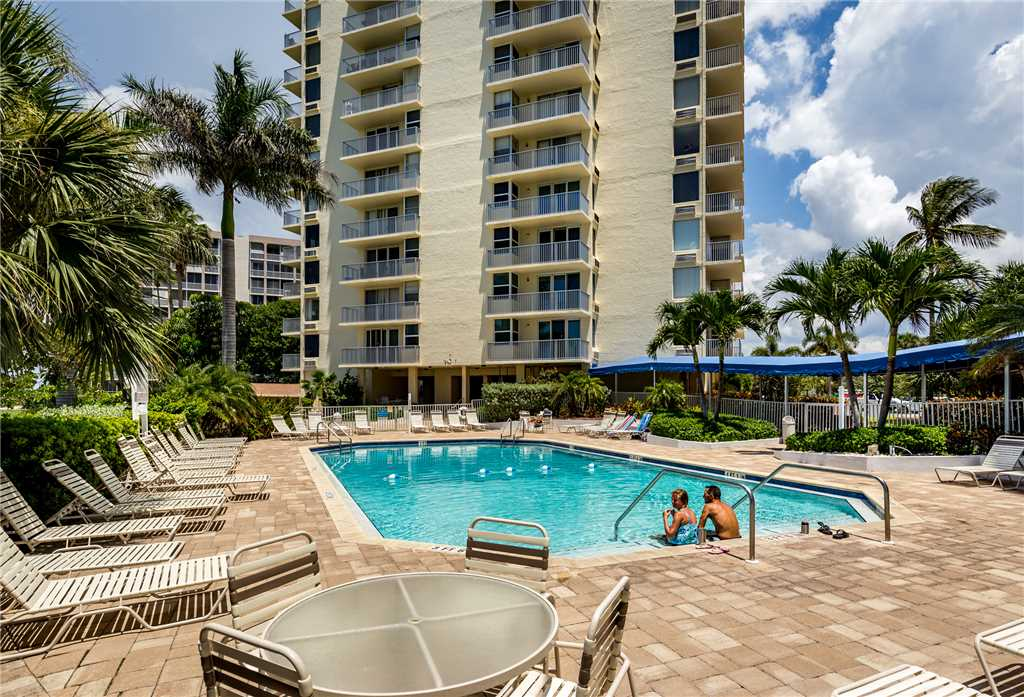 Estero Beach & Tennis 907A 1 Bedroom Elevator Heated Pool Sleeps 4 Condo rental in Estero Beach and Tennis Club in Fort Myers Beach Florida - #14