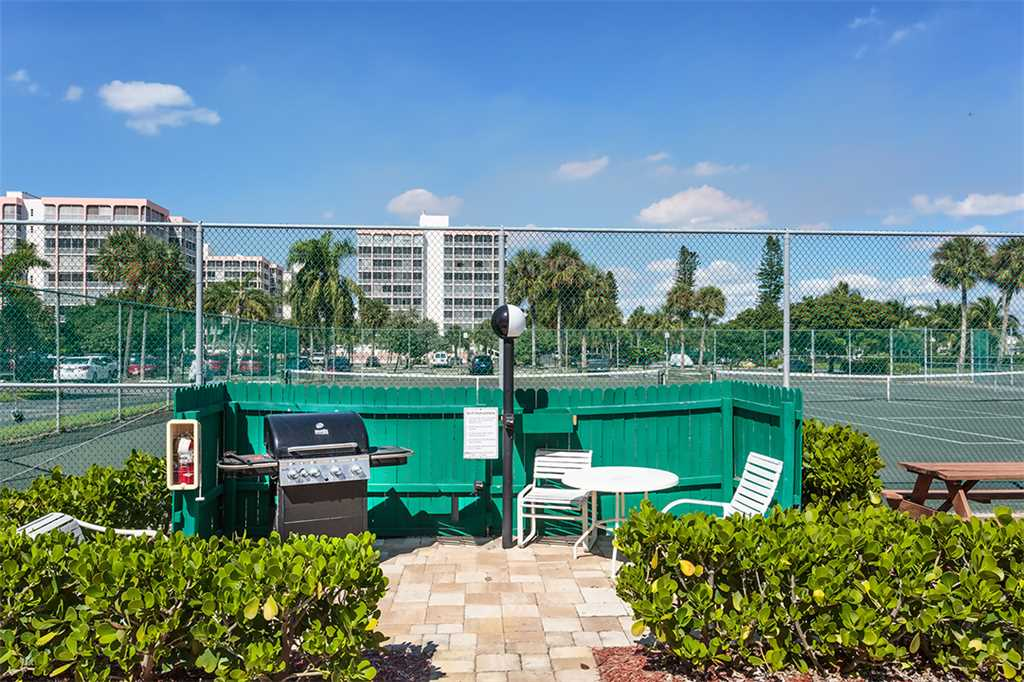 Estero Beach and Tennis 705C 1 Bedroom Bay View Pool Elevator Sleeps 4 Condo rental in Estero Beach and Tennis Club in Fort Myers Beach Florida - #16