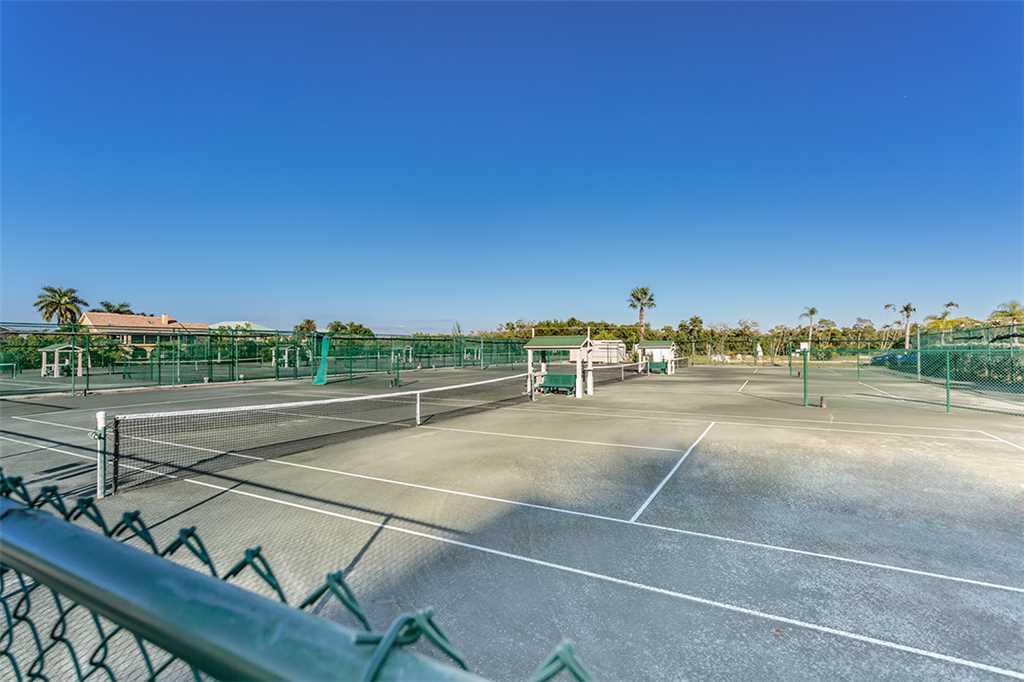 Estero Beach and Tennis 705C 1 Bedroom Bay View Pool Elevator Sleeps 4 Condo rental in Estero Beach and Tennis Club in Fort Myers Beach Florida - #17