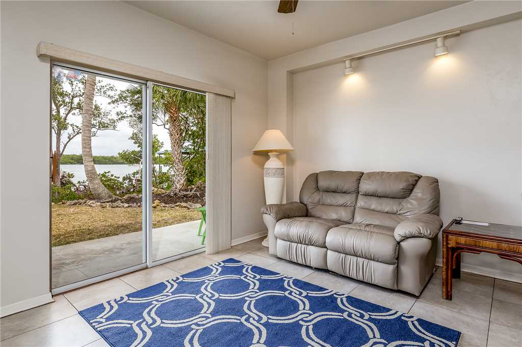 Anchors Away A 1 Bedroom Ground Floor Bay Views House / Cottage rental in Fort Myers Beach House Rentals in Fort Myers Beach Florida - #4