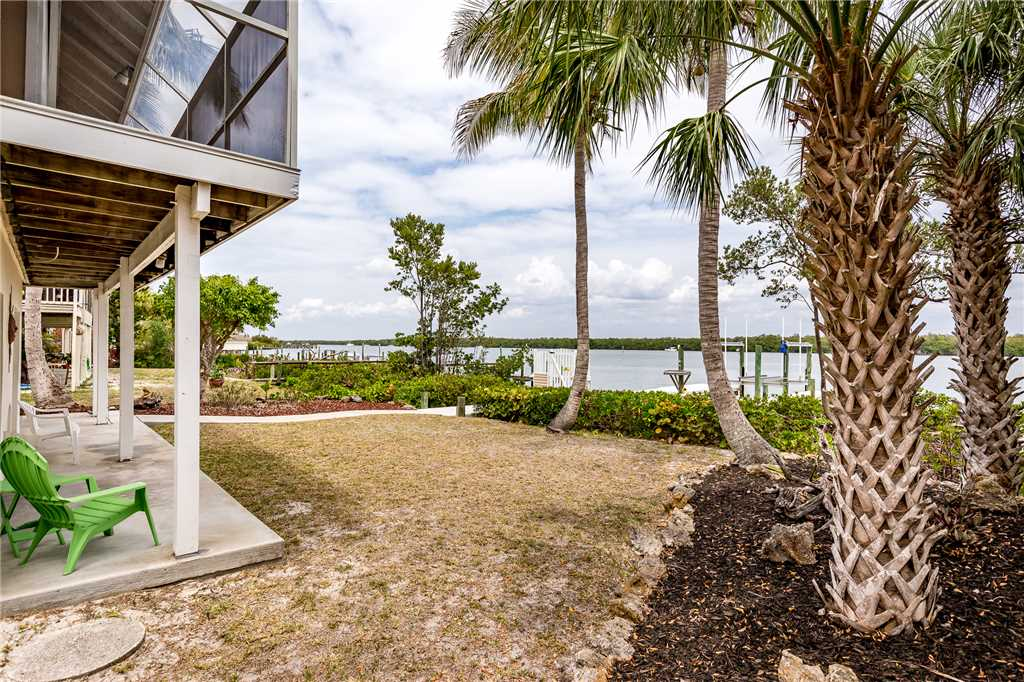 Anchors Away A 1 Bedroom Ground Floor Bay Views House / Cottage rental in Fort Myers Beach House Rentals in Fort Myers Beach Florida - #15