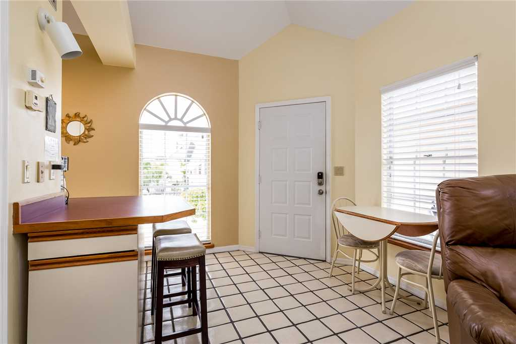 Anchors Away B 1 Bedroom Upper Level Bay Views House / Cottage rental in Fort Myers Beach House Rentals in Fort Myers Beach Florida - #10