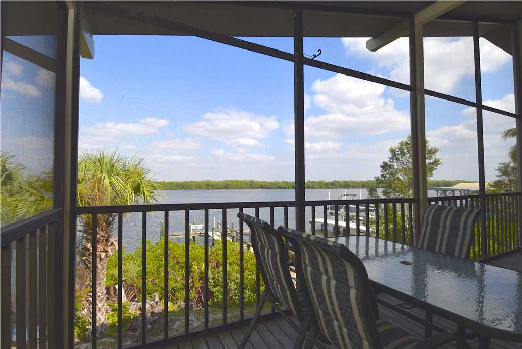 Bay Star #1 2 Bedrooms Bay Front Walk to a Beach WiFi Sleeps 4 House / Cottage rental in Fort Myers Beach House Rentals in Fort Myers Beach Florida - #1